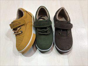 تولید عمده انواع کفش های اسپرت بچه گانه