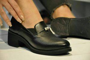 فروش عمده انواع کفش چرم زنانه ارزان قیمت