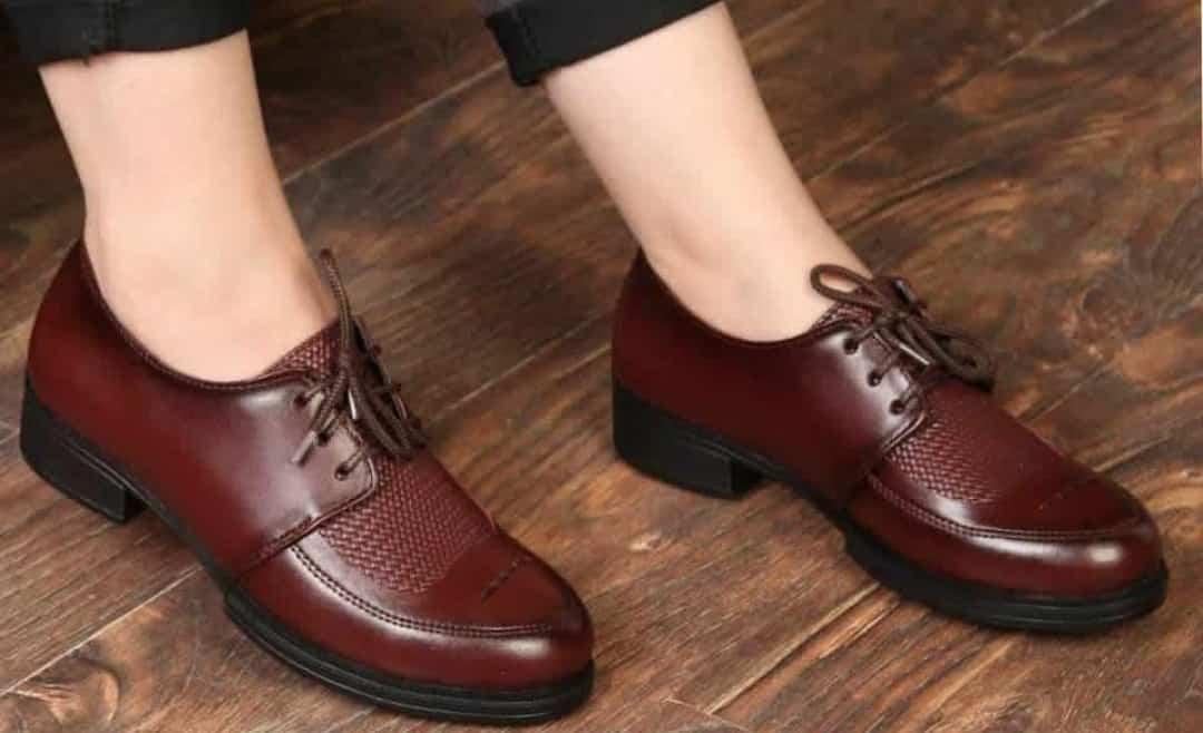 کفش تیپاش